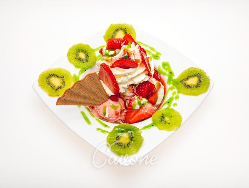 Erdbeer-Kiwi Schale